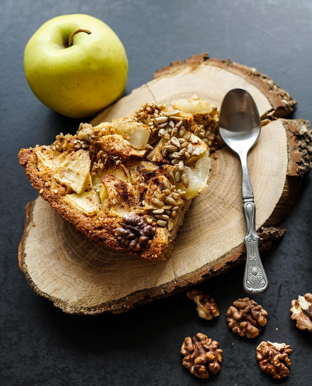 Celozrnný hruškový koláč – jednoduchý a zdravý recept